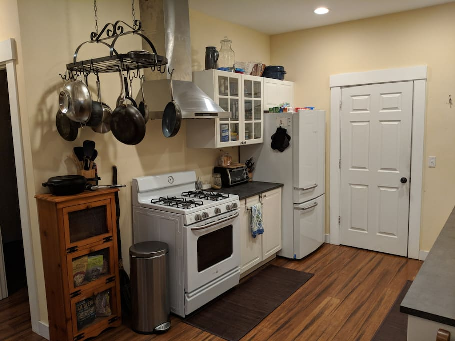 Full kitchen with all new appliances