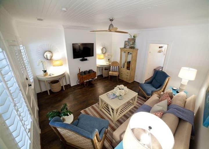 Jackie's Barefoot Cottage - Tybee Island, Ga