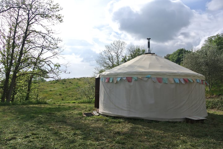 Wood-heated Yurt in Tuscany