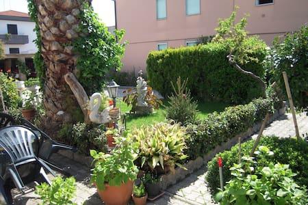 Casa Vacanza Scerne di Pineto 2 - Scerne - Apartamento