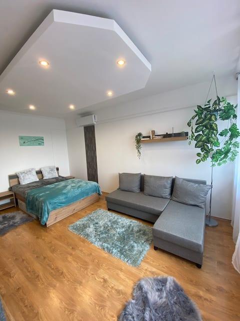 Flora's flat