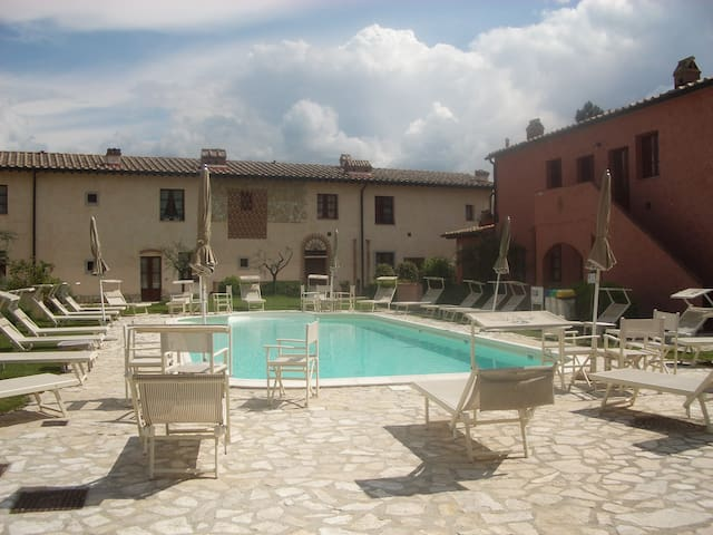 Tuscany offer: Stay 7, pay 5 nights - Montaione - House
