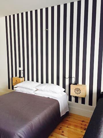 TWB Residences Black & White - Porto