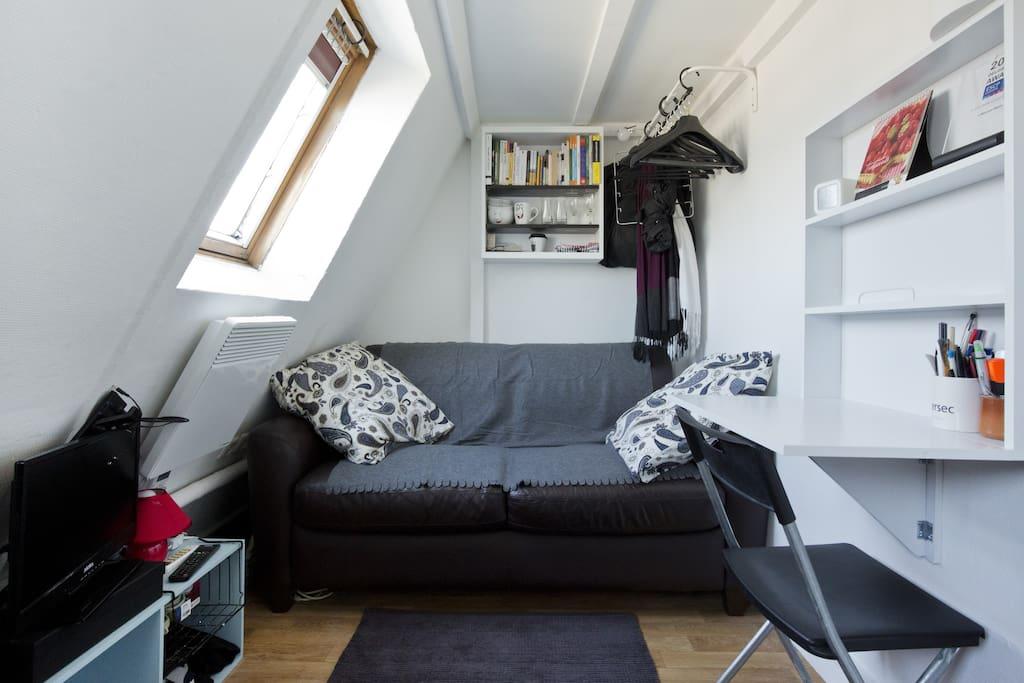 Main room, warm and cosy.