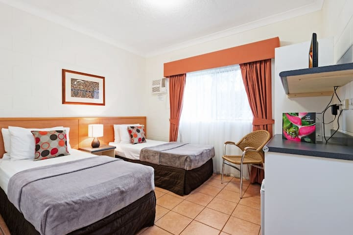 Cozy room in Cairns perfect for families