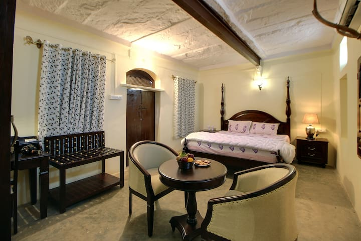 Heritage Deluxe Room near Jawai Dam