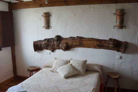 Habitación doble con baño privado - Olmos de Atapuerca - Talo