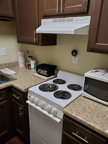 Entire Apartment for 2,Near WPAF, and Wright State
