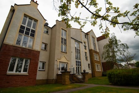 coastal town ground floor 1 bed flat