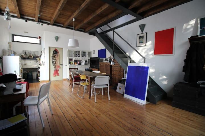 Comfy bedroom in artsy flat near Navigli / Tortona - Milano - Loft