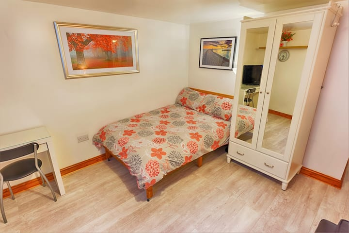 Entire Apartment - Near Piccadilly-Perfect for you