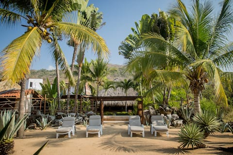Beachfront Casa Palmillas Troncones w/pool &3rooms