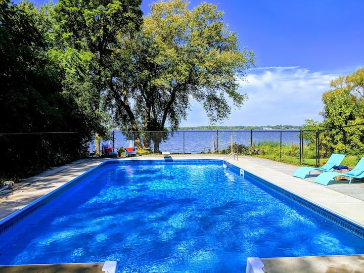 Spectacular waterfront retreat in beautiful PEC!