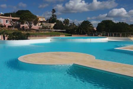 Private deluxe suite   Ocean view   Pool - Lagos - Bed & Breakfast