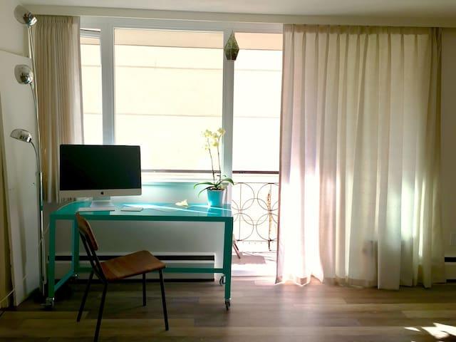 BEST VALUE Downtown Vancouver. Clean & cozy studio