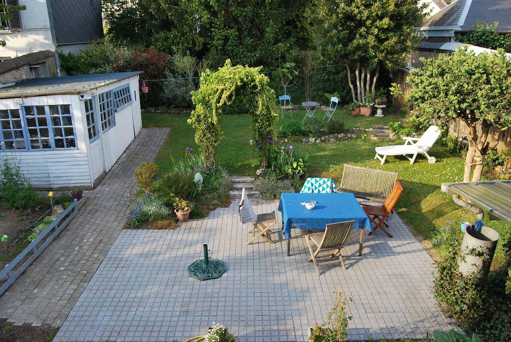 jardin, possibilité de faire des barbecues. Ensoleillé toute la journée