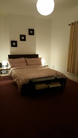 Double Bedroom in the City Center1 - Dublín - Casa