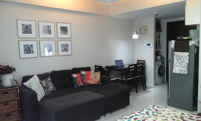 New Fully Furnished Studio near the Airport - Pasay - Condominio