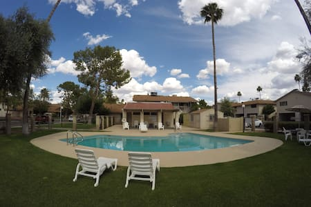 Close to Everything in Scottsdale - Scottsdale - Appartement en résidence