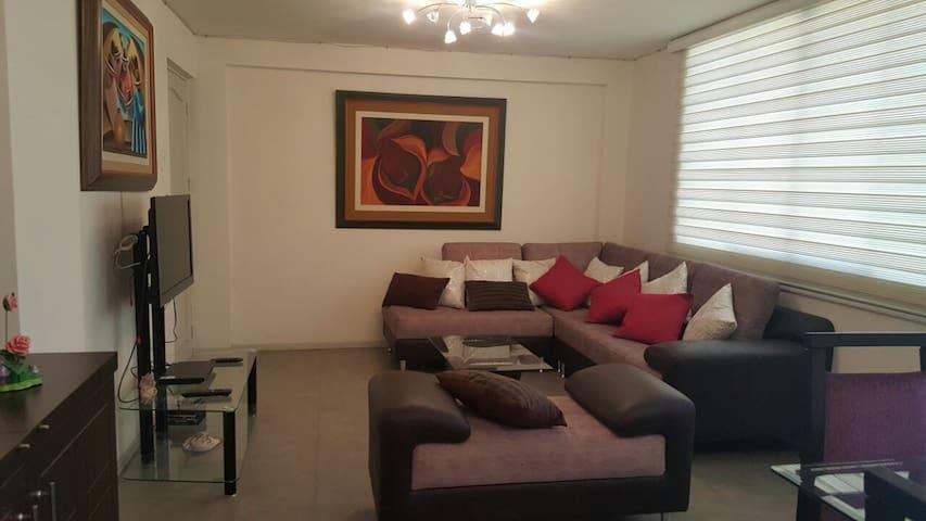 Departamento moderno ubicado en Av. Juan Pablo II - Trujillo - Apartment
