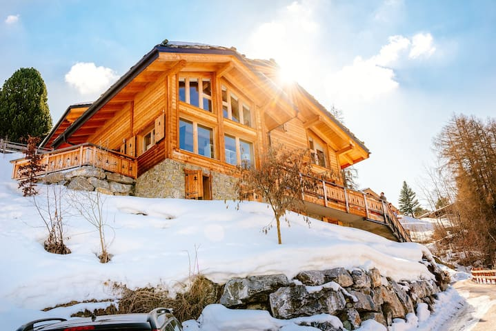 Beautiful luxury chalet in Swiss Alps with hot tub - Nendaz - Chalet