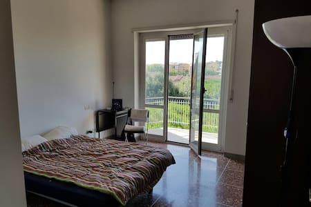 Piccola oasi con vista su Roma - Rzym - Apartament
