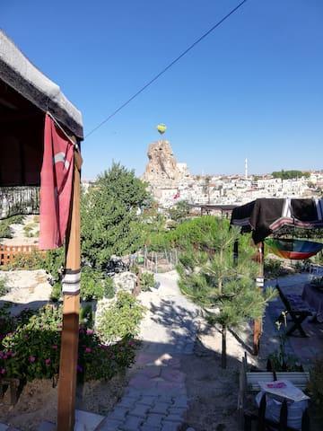 Kapadokya Karşı Bağ Camping & Breakfast Garden