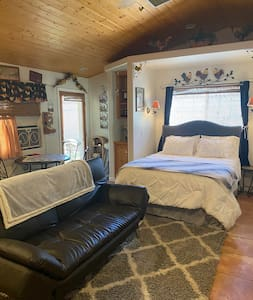 Rustic Country Attached Guest House