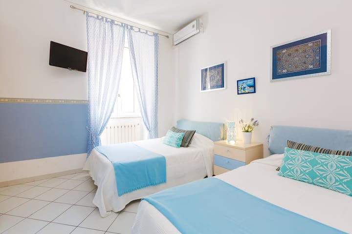 B&B Piazza Fratti - twin room Ortensia - Civitavecchia - Bed & Breakfast