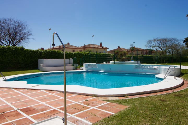 Vista Hermosa II pool private terrace parking by Lightbooking
