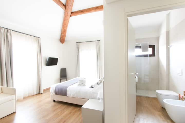 Garda Relais comfort room with terrace