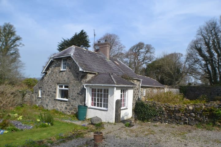 Beautiful Welsh country cottage - Efailnewydd - บ้าน