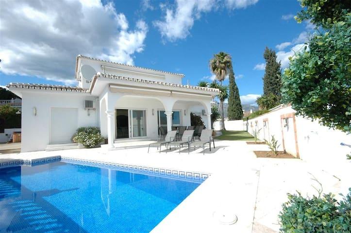 Marbella villa heated pool golf