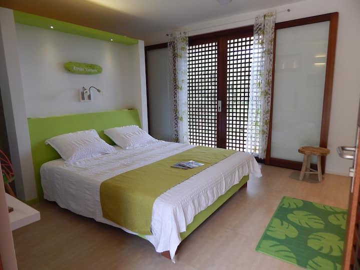 Turtle-Room Kralendijk -Tera Barra Lounge