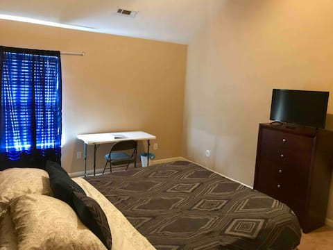 *Clean*WiFi/Cable TV 15 min-> AIRPORT/UPTOWN