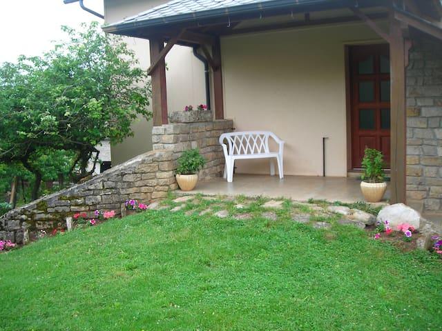 Gîte 4 chambres, wifi, jardin fermé