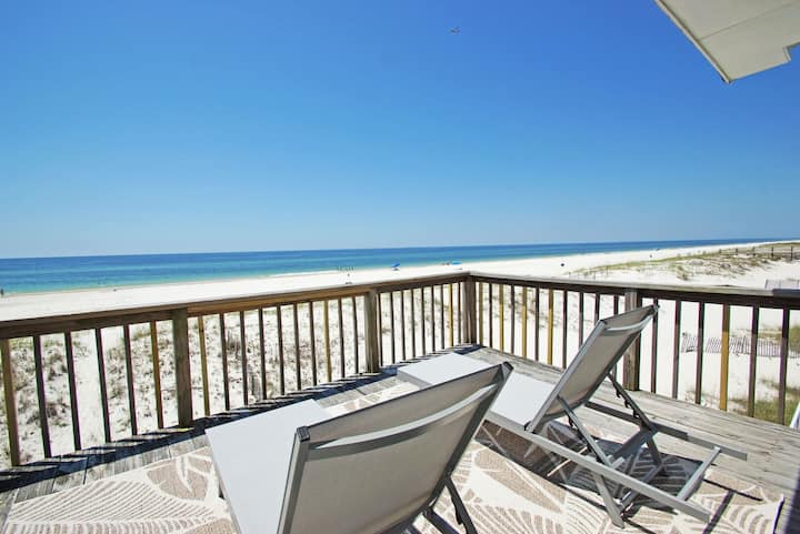 Newly Renovated Duplex Right on the Beach! Quick online booking for activities!