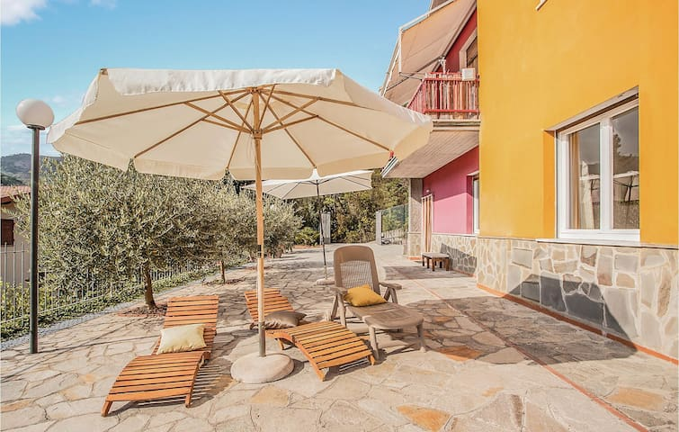 Holiday apartment with 2 bedrooms on 85m² in Casarza Ligure (GE)