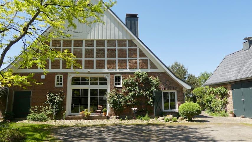 """""""Nord-Studio""""  im Landhaus mit Küchenzeile und Bad"""