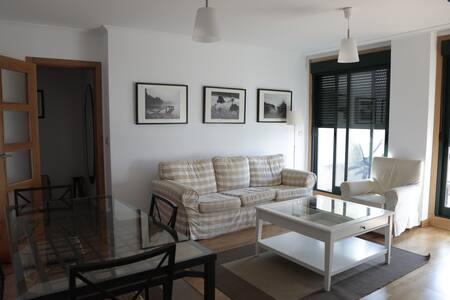 piso a 100 metros de playas Aldan. ( Cangas)