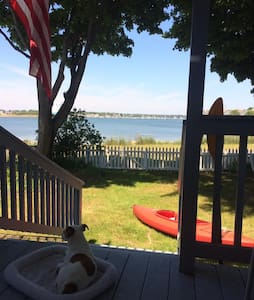 Oceanside retreat walkable to Salem attractions - Salem - Appartement