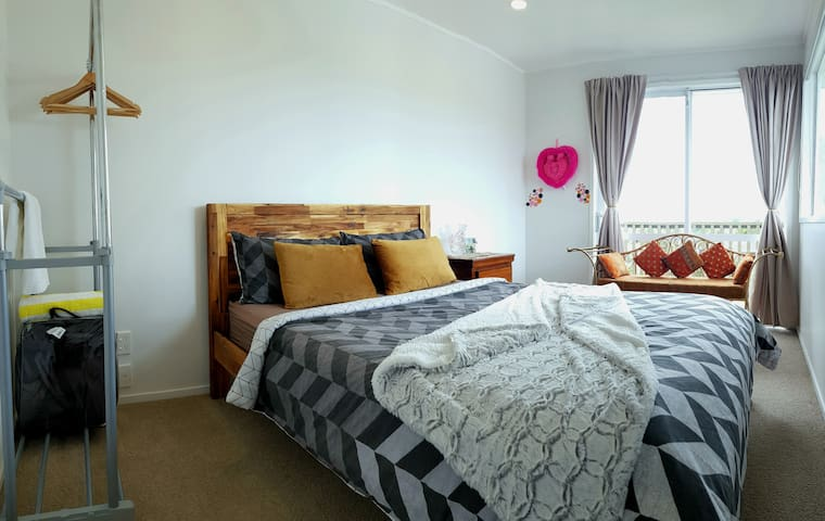 Cozy double room [NO CLEANING FEE!!!]