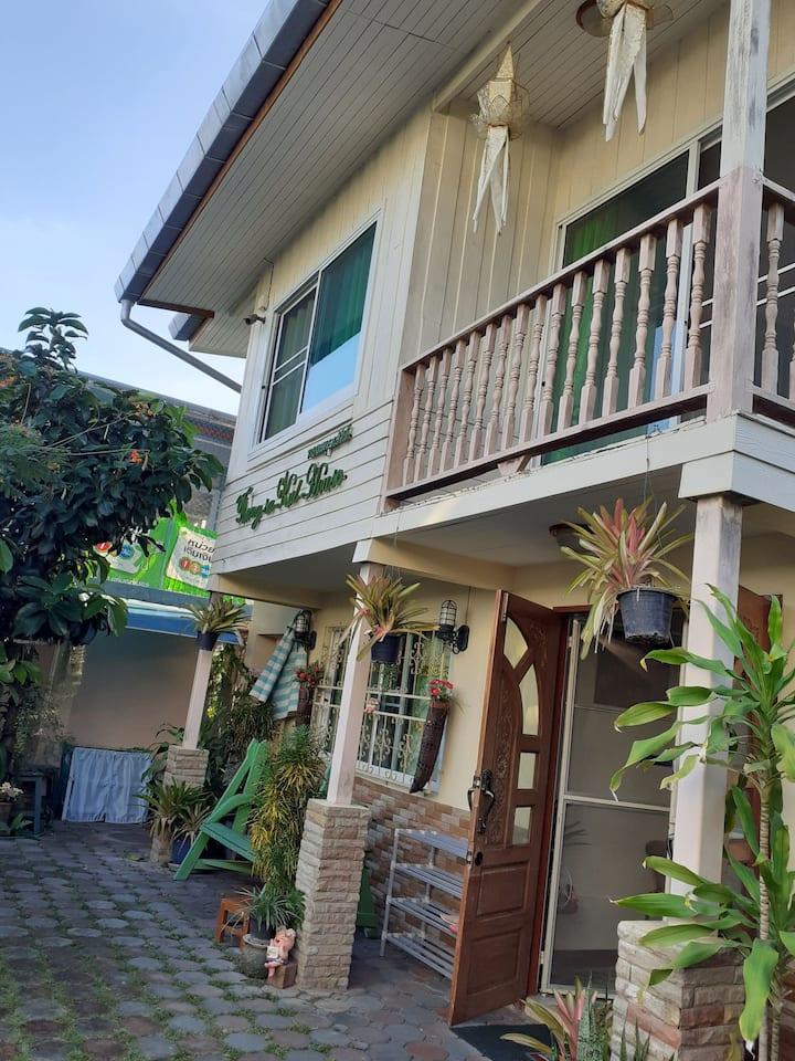 古城周六夜市泰式花园独栋小别墅-Thongsakul House 1