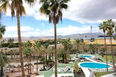 Room with friendly people in playa del ingles :) - Maspalomas - Kondominium