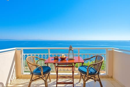 cozy cliff apartment with endless seaview - Nea Poteidaia - Appartement