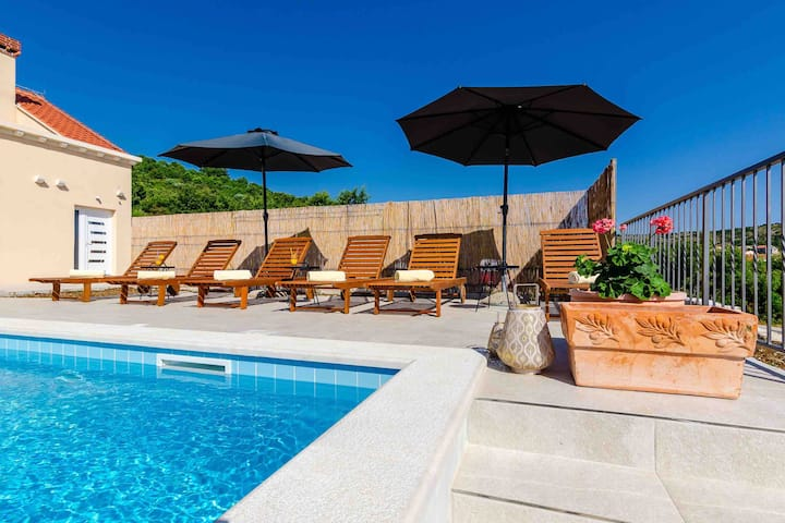 Family Vila near Cavtat with Private Swimming pool