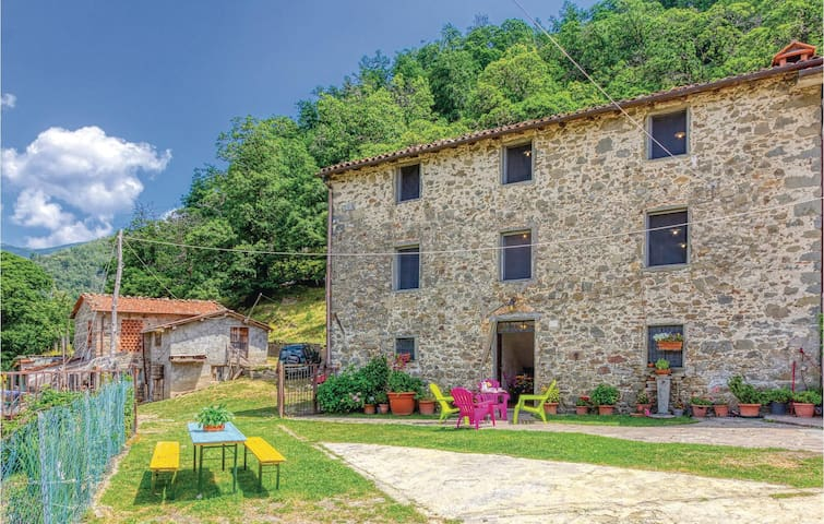 Semi-Detached with 3 bedrooms on 120m² in Barga LU