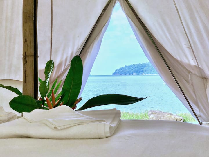 Lisca beach: Seafront Glamping, private bathroom