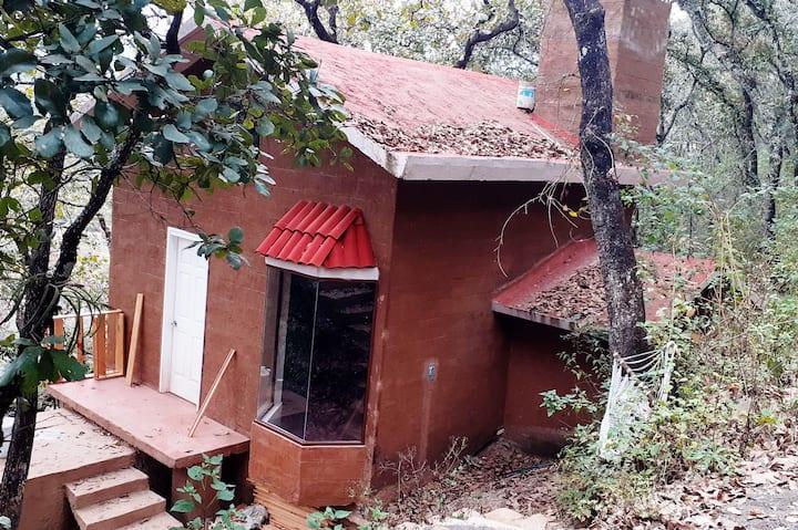 Cabaña romántica en el bosque, a 20 min de Morelia