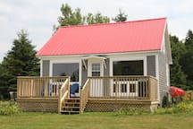 Newly renovated, traditional maritime cottage!